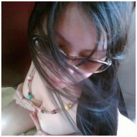 Femme asiatique thai qui s'exhibe en webcam live